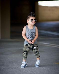 Young and fresh waiting for my sponsorship like 😏 haha j/k. Toddler Boy Fashion, Cute Kids Fashion, Little Boy Fashion, Outfits Niños, Kids Outfits, Baby Outfits, Little Boy Outfits, Toddler Outfits, Stylish Boy Clothes