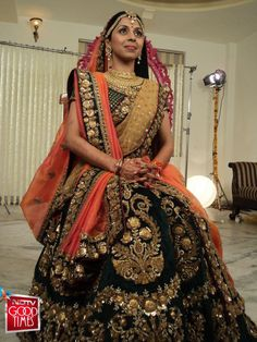 Bridal lehenga fit for a queen www.bridesbypb.com