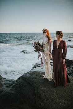 This beachy bridal inspiration by Allison Markova Photography goes beyond a stark white gown and bare feet with a moody romantic twist. Romantic Wedding Receptions, Romantic Weddings, Unique Weddings, Bohemian Weddings, Wedding Ceremonies, Rustic Weddings, Destination Weddings, Autumn Wedding, Boho Wedding