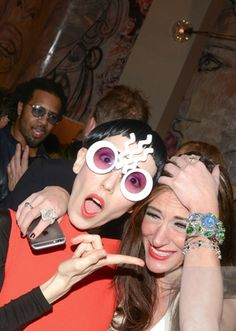 f6a068377d07 Michelle Harper in Mercura NYC white wave Pop Art sunglasses