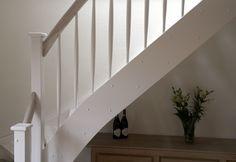 Vitmålad trappa med steg och handledare i ask. Stockholm, Stairs, Inspiration, Home Decor, Biblical Inspiration, Stairway, Decoration Home, Room Decor, Staircases