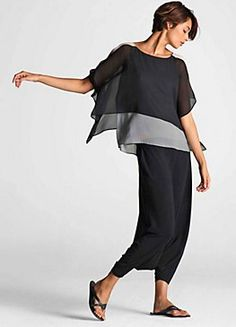 Clothing: apostate --- I like the sheer over top mixed with the under top color-block, silk -I also like the fitted bottom. the Lagenlook with the baggy full bottoms can bury a short girl like me- garment by eileen fisher Mode Style, Style Me, Black Style, Trendy Style, Mode Outfits, Casual Outfits, Casual Clothes, Skirt Outfits, Look Fashion