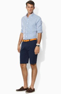 Simple and cool boat shoes outfit for mens 37 - Fashionetter Preppy Mens Fashion, Men Fashion, High Fashion, Fashion Menswear, Fashion Hats, Boat Shoes Outfit, Look Short, Summer Outfits Men, Men Summer