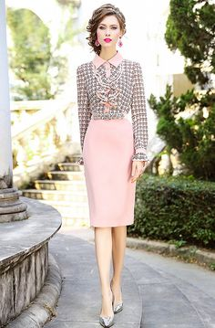 Spring Outfits Classy, Pretty Outfits, Fit And Flare Coat, Estilo Real, Elegant Outfit, Royal Fashion, Blouse Styles, All About Fashion, Fashion Outfits