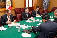 Revisan secretario de Educación Pública y gobernador de Oaxaca estrategia de seguridad para aplicar Evaluación del Desempeño
