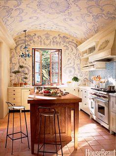 Decoração de cozinha em tons pastéis.