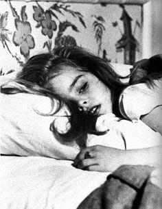 Brooke Shields, she was so cute Pretty Baby 1978, Pretty Girls, Brooke Shields Young, Badass Aesthetic, Aesthetic Girl, Thick Eyebrows, Living Dolls, Blue Lagoon, Lolita Fashion