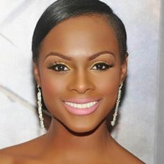 """Hey #PrettyKymittee here's my """"Friday Fab Face"""". Have a great weekend @tikasumpter 
