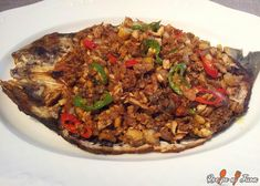 This Bangus Sisig recipe, a dish where the Milkfish comes steamed or fried then deboned and flakes marinade with Soy Sauce, Vinegar, Sugar, Salt and Pepper. Filipino Chicken Barbecue Recipe, Barbecue Chicken, Barbecue Recipes, Teriyaki Chicken, Sisig Recipe, Escabeche Recipe, Recipe Recipe, Tilapia Recipes, Fish Recipes