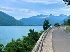 Découvrez le lac d'annecy sous tous les angles à vélo Poses Photo, Rando, Tour, Country Roads, Mountains, Travel, Angles, Veils, Lake Annecy