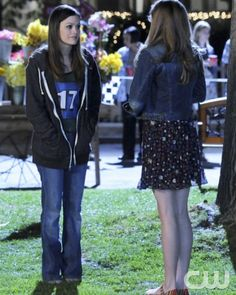 """""""The Race and the Relationship"""" - Pictured (L-R): Rachel Bilson as Dr. Zoe Hart and McKaley Miller as Rose in HART OF DIXIE on THE CW. Photo: Michael Yarish/The CW 2012 The CW Network. All Rights Reserved."""