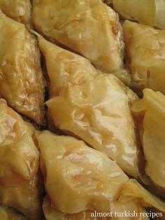 Almost Turkish Recipes: dessert - Ramazan 2014 - French Turkish Recipes, Greek Recipes, Ethnic Recipes, Snack Recipes, Dessert Recipes, Cooking Recipes, Easy Recipes, Bakery Recipes, Turkish Baklava