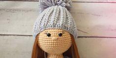 Para tejer a la muñeca Molly, necesitarás: El tamaño de la muñeca una vez terminada es de 27cm. Cabe Ivette Hernandez, Knit Crochet, Crochet Hats, Amigurumi Doll, Handmade Toys, Mickey Mouse, Softies, Winter Hats, Crochet Patterns