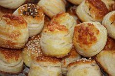 Prekladané pagáčiky s Cerou - Výborné, ľahučké pagáčiky, vhodné na Vianoce alebo hocikedy nám zachutia! Slovak Recipes, Pretzel Bites, Muffin, Food And Drink, Bread, Vegan, Baking, Breakfast, Nova
