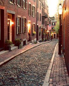 Camino al cine por el Beacon Hill, Boston Massachusetts.