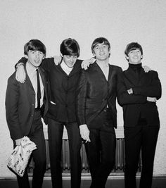 The Beatles featuring Paul McCartney George Harrison John Lennon and Ringo Starr Beatles Love, Beatles Photos, Beatles Art, Liverpool, Great Bands, Cool Bands, Richard Starkey, Music Genius, Star Wars