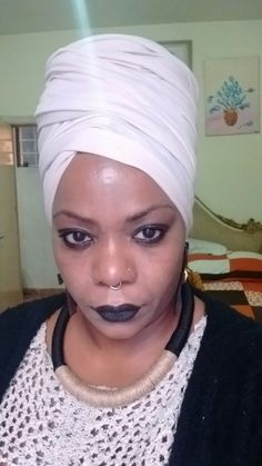 #mulhernegra#negralinda#mulherdepelepreta#turbantes#CelynhaMoreira canal YouTube Celynha Moreira#comofazerturbantes#amarracoesturbantes#turbantesebrincos