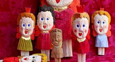 """""""Sverkers flickor"""". Flickor huggna ur ett trästycke, målade med tempera och förgyllda med bladguld av Sverker Eklund, sold at Svensk Slöjd #woodcraft #dolls"""