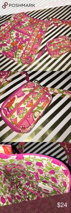 Vera Bradley cross body purse with coin purse Vera Bradley flower pattern purse and coin purse Vera Bradley Bags