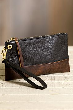 Fashioned of premium Argentine cowhide with RFID anti-theft protection, our petite wristlet features a detachable wristlet strap. Free shipping + returns.