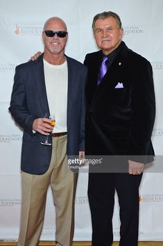 Jim McMahon and Mike Ditka attend The Christopher & Dana Reeve Foundation's 'A Magical Evening Chicago' at Peninsula Hotel on October 2015 in Chicago, Illinois. 1985 Chicago Bears, Chicago Bears Super Bowl, Chicago Illinois, Bears Football, Football Players, Baseball, Sports Stars, Sports Photos, Cubs Sox