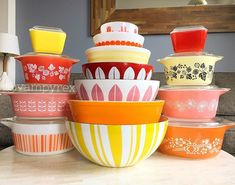 Summer is my season folks. Happy Solstice everyone! Vintage Kitchenware, Vintage Dishes, Vintage Pyrex, Vintage Love, Retro Vintage, Pyrex Display, Happy Solstice, Mexican Menu, Vintage Kitchen Accessories