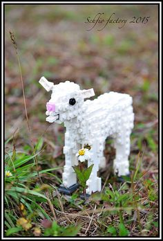 Schifio, master of the studs-out construction, brings us this incredibly cute LEGO lamb
