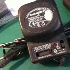 AC adaptador universal 230V 50hz 12.5W 1.5/3/4.5/6/7.5/9/12 500mA 6VA máximo