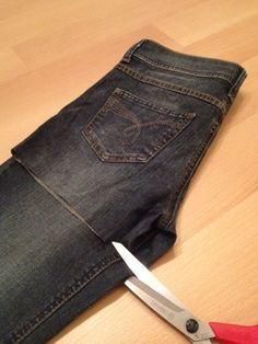 Ich wollte schon immer mal aus einer alten Jeans eine Tasche nähen. Und nun ist es soweit. Wi jetztollt ihr mitmachen?