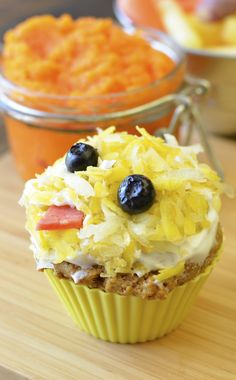 Healthy carrot muffins Fun chick for Easter or spring!