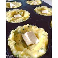 Rajouter l'œuf, le fromage râpé et la crème fraiche. Mélangez le tout.