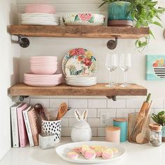 This romantic, rustic bistro area keeps your recipes, baking tools, seasonal serveware and sweet treats within arms' reach. After all, you never know when you'll need to host on the fly! Home Interior, Decor Interior Design, Kitchen Interior, Kitchen Decor, Home Decor Trends, Home Decor Inspiration, Diy Home Decor, Home Organisation, Kitchen Organization