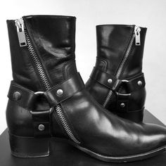 "slp-world: "" Classic Black Leather Wyatts. Some of the best boots ever designed by . Botas Outfit, Men S Shoes, Men Boots, Saint Laurent Boots, Gentleman Shoes, Look Man, Engineer Boots, Leather Shoes, Black Leather"