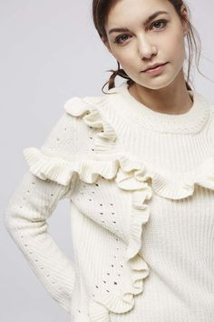 Revamp your knitwear this season with this super cute oversized jumper. Finished…