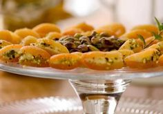 Para quem é fã de damasco, o aperitivo de cream cheese e gorgonzola não leva nem 15 minutos para ser feito.