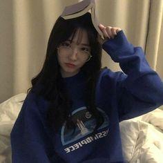 Ulzzang Girl shared by ❝Kim.❞ on We Heart It Ulzzang Korean Girl, Cute Korean Girl, Cute Asian Girls, Cute Girls, Girl Korea, Asia Girl, Ulzzang Fashion, Korean Fashion, Ullzang Girls