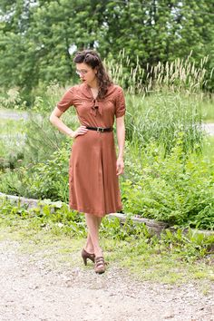Mode de Lis: · Kathryn's 1940s Print Dress ·