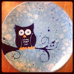Amazing owl plate painted in summer camp. Check out the bubble background...nice.