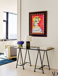 A sprawling duplex high above the Windy City serves as a soigné setting of world-class works of art