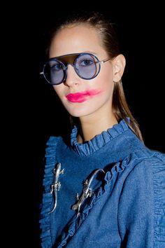 Details Backstage/ Photo 📸 Mario Chocron ODAXELAGNIA Womenswear Fall 18 by Anel Yaos 080 Barcelona Fashion TNC 💥🤖🔮💊🔫👾🤡👅 Sunglasses 🕶 Citrique/ Accessories 🦎 Fátima Beltrán/ Model 👸🏻 @jeannecadieu  #AnelYaos #080barcelonafashion #odaxelagnia👄 #TNC #teatrenacionalcatalunya #Womenswear #Readytowear #Fall18 #art🎨 #artdirection #creativedirection #design #citriqueheart #fashiondesign #women #creativefashion