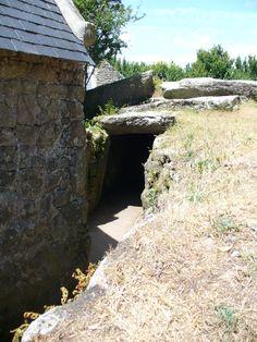 Entrée du Dolmen du Mané Lud - Locmariaquer (56) France