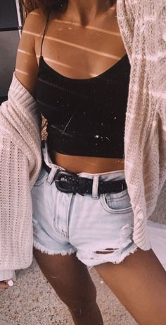 Womens fashion ideas outfits summer style style shorts belts womens clothes teen fashion teen style jean shorts summer fashion chic everyday looks Cute Comfy Outfits, Cute Summer Outfits, Short Outfits, Simple Outfits, Stylish Outfits, Spring Outfits, Summer Wear, Outfit Summer, Summer Teen Fashion