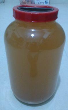 Üzüm sirkesinin yapılışı   5 kg lık cam kavanoz  İçme suyu  2-3 kg üzüm  Sirke anası, yoksa...