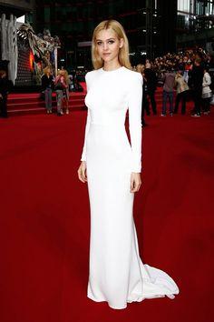 NICOLA-peltz-white-dress-1