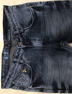 Denim Jeans Men, Jeans Pants, Loose Fit Jeans, Jeans Style, Camouflage, Mens Boardshorts, Mens Jeans Outfit, Men's Pants, Templates
