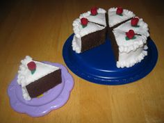 Felt cake tutorial                                                                                                                                                                                 More