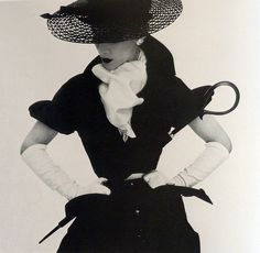 Lisa Fonssagrives in fashion by Zoveig Talmack, photo by Irving Penn for US Vogue, Apr. 1950.