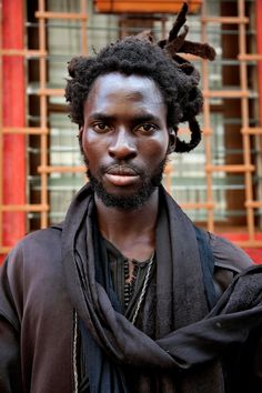 The roots of fashion and spirituality in Senegal's Islamic brotherhood, the Baye Fall - The Washington Post Afro, Baye Fall, Casamance, Fade To Black, African Diaspora, African Men, African Culture, West Africa, Hair Art