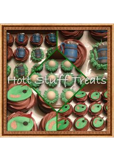 Golf Theme Cupcakes by Hott Stuff Treats Golf Cupcakes, Themed Cupcakes, Golf Theme, 80th Birthday, Treats, Cookies, Desserts, Sweet Like Candy, Crack Crackers