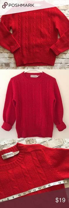 DVF Diane Von Furstenberg 100% wool knit sweater Damaged due to holes Diane von Furstenberg Sweaters Crew & Scoop Necks